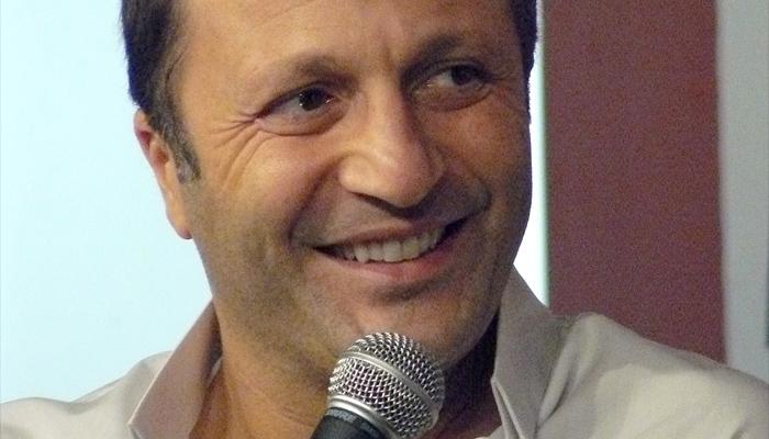 L'exil fiscal d'Arthur embarrasse France Télévisions
