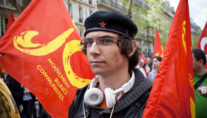 Manifestation du Front de Gauche : un journaliste agressé