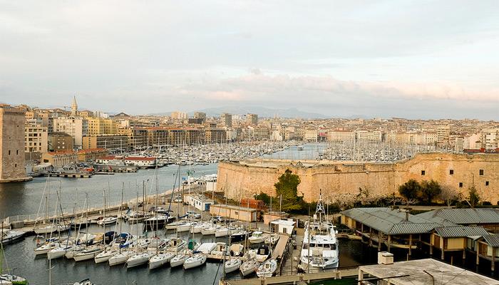 À Marseille, France 2 fête la fin du ramadan