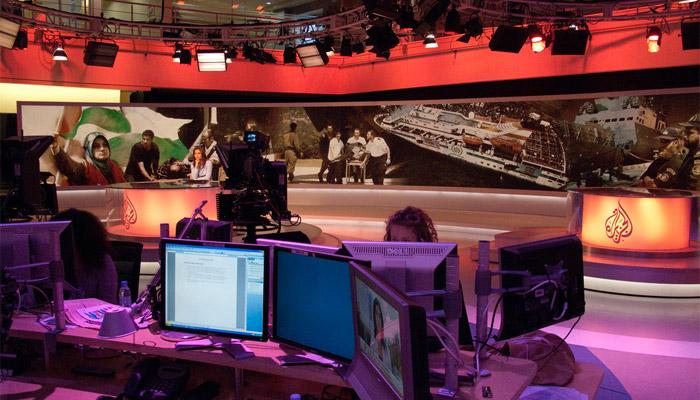 Trois journalistes d'Al-Jazeera expulsés d'Égypte