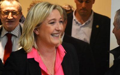 Marine Le Pen accuse les médias de « surveiller » ses candidats
