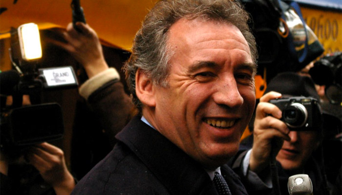 Maïtena Biraben refuse de donner son salaire à Bayrou