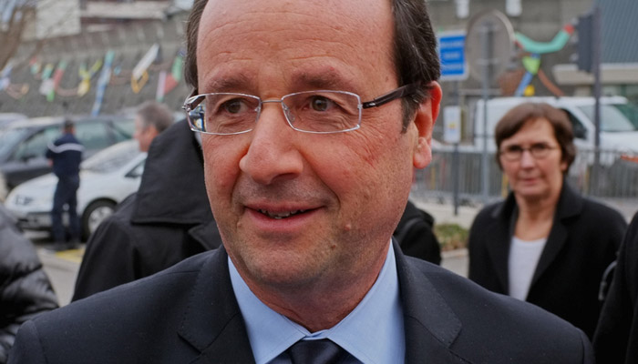 Hollande et la gauche contre les chaînes d'info en continu