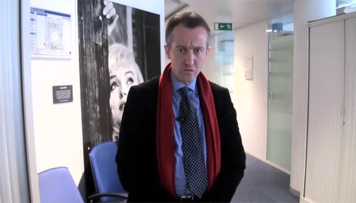 Christophe Barbier sur le « tireur fou » : les médias en ont-ils « trop fait » ?