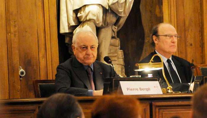Le Monde : Pierre Bergé réclame des licenciements