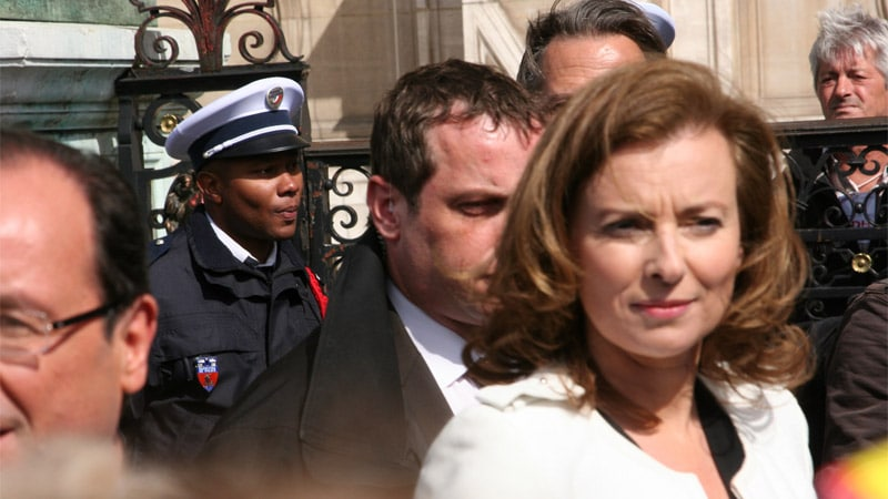 Valérie Trierweiler « Merci pour le moment » confusion entre journalisme et politique