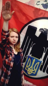 Ukraine : Quand Elle tresse les louanges d'une combattante néonazie