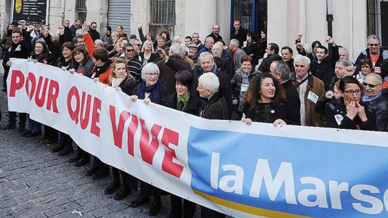 La Marseillaise restera communiste