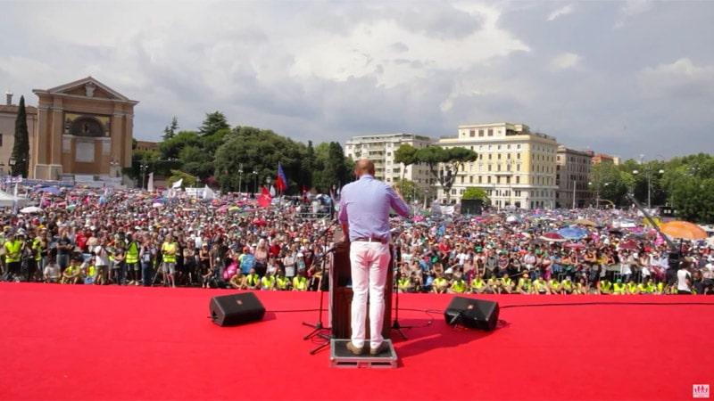 Silence gêné des médias français après la Manif pour tous en Italie