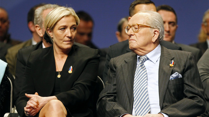 Elkabbach aurait soutenu Jean-Marie Le Pen face à sa fille