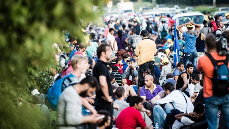 Migrants, réfugiés, clandestins, envahisseurs : la guerre des mots