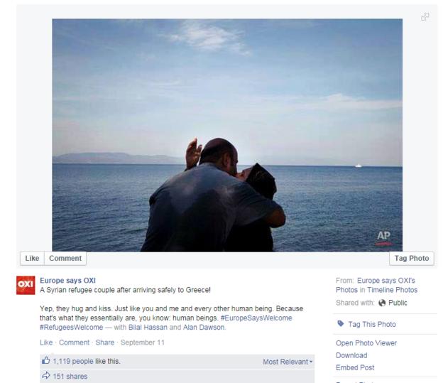 Comment ne pas être touché par cette photo diffusée par la BBC d'un couple s'embrassant devant la mer ?