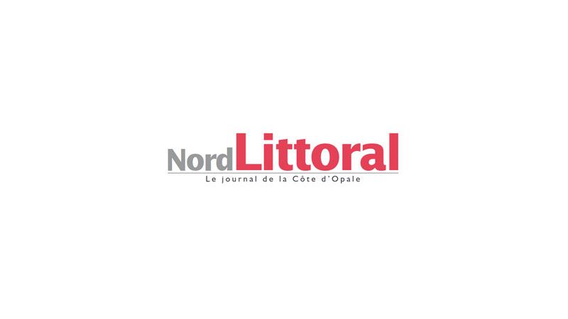 Caricaturé en nazi, un instituteur attaque Nord Littoral