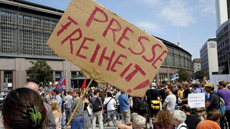 Médias allemands : « le sujet des réfugiés est interdit »