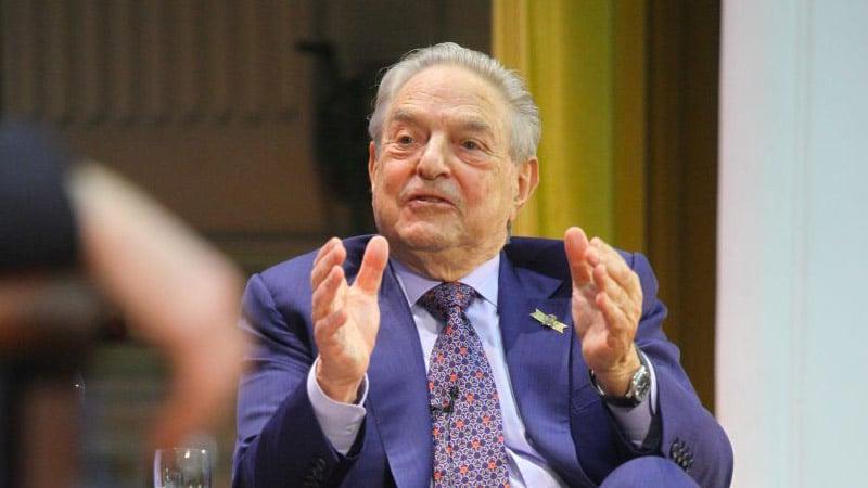 George Soros investit dans les médias anti-PiS en Pologne