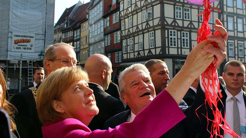 FAZ et Die Welt : l'Allemagne fête bruyamment sa désunion à Dresde