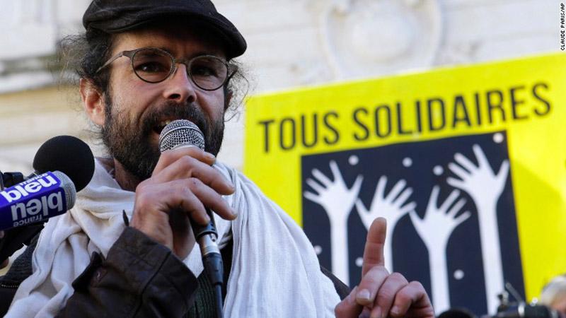 Propagande médiatique : Cédric Herrou, le passeur dépassé