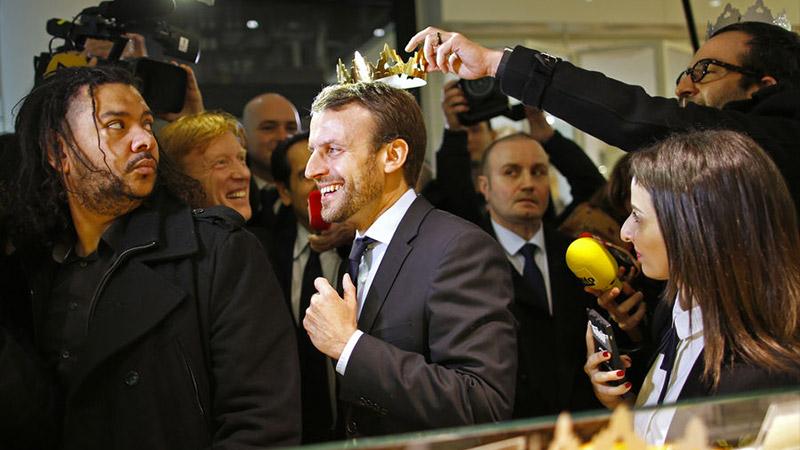 Macron ou l'ultime mascarade