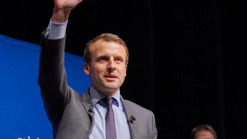 Migrants et médias, Macron tient ses promesses, approbation discrète