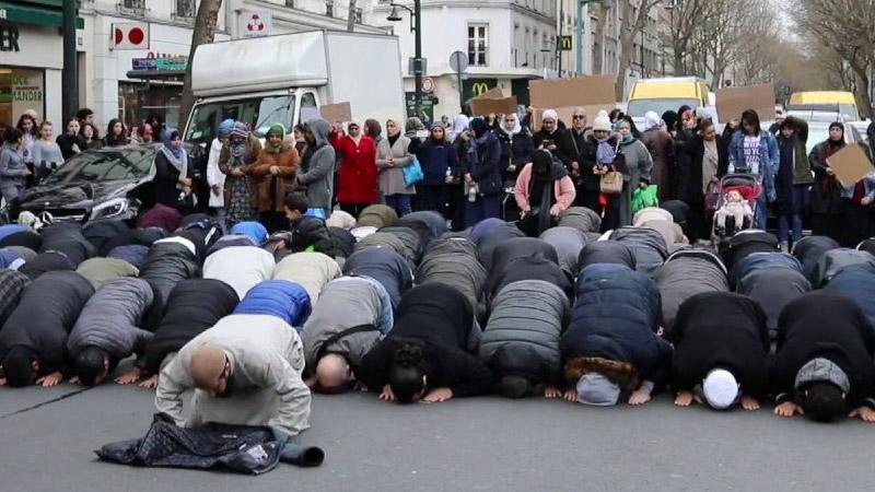 Prières de rue ? Prière de ne pas trop déranger les médias officiels!