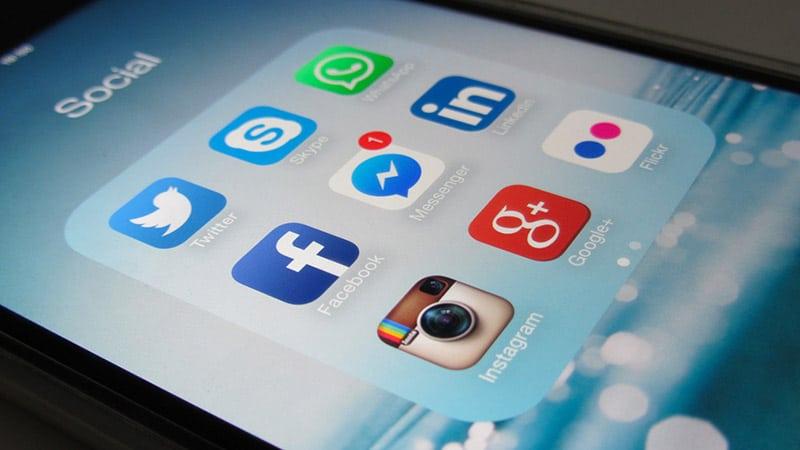 Fake news : les réseaux sociaux pas crédibles pour deux tiers des français