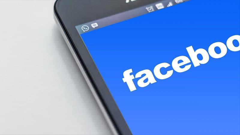 Les grands journaux français payés par Facebook pour traquer les « fake news »