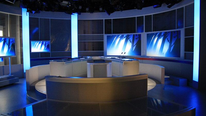 Réforme de l'audiovisuel public : Macron sous le feu de la critique de Médiapart