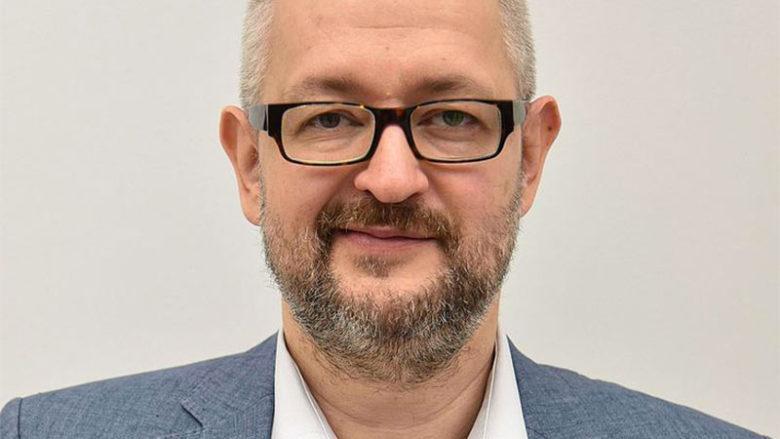 Inversion de la situation 28 ans après la chute du mur de Berlin : un journaliste polonais interdit en Grande-Bretagne