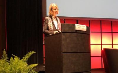 Françoise Nyssen précise les contours de sa loi contre les fake news aux Assises du journalisme de Tours