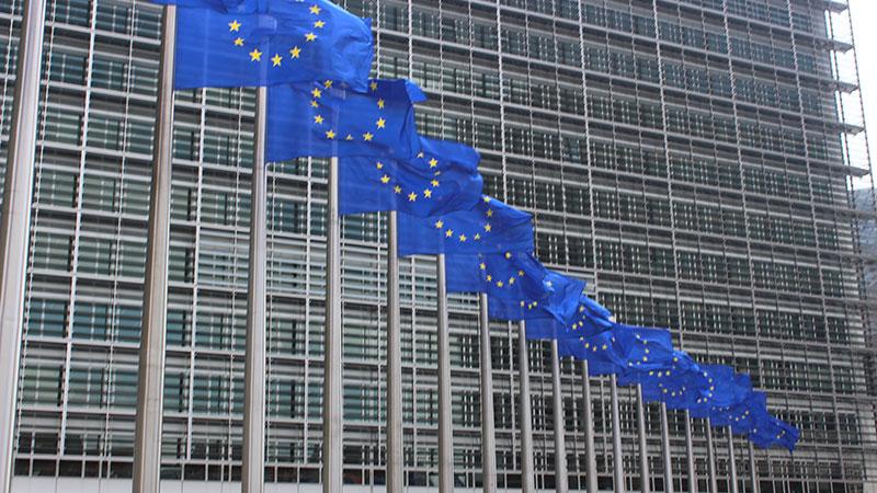 Fake news, Bruxelles s'y met aussi