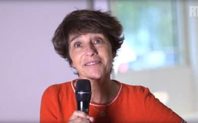 Elizabeth Martichoux sur RTL ne voit pas pourquoi les journalistes officiels sont critiqués et demande un contrôle de l'information