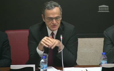 Le patron du CSA Roch-Olivier Maistre au micro d'Europe 1, la double pensée en action