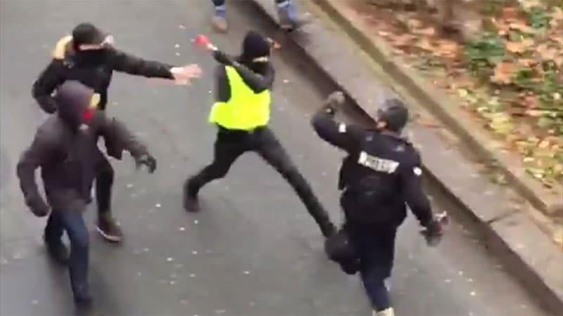 Agressions de journalistes, les antifas en première ligne