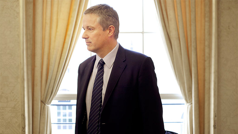 Nicolas Dupont-Aignan et les médias : je t'aime moi non plus
