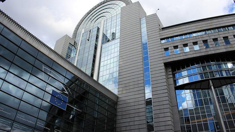 Droit voisin pour la presse, bataille à Bruxelles