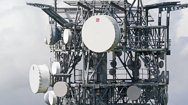 Radio numérique, les grands acteurs raflent tout, Sud Radio écartée