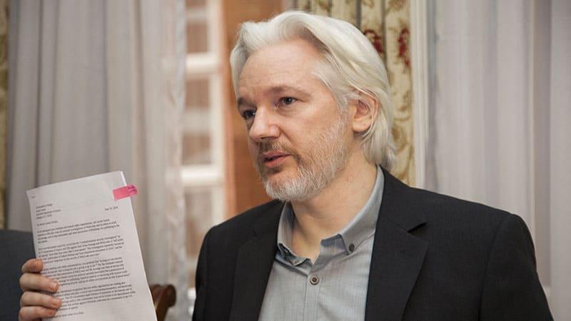 Assange en prison pour un an, mais le pire est à venir