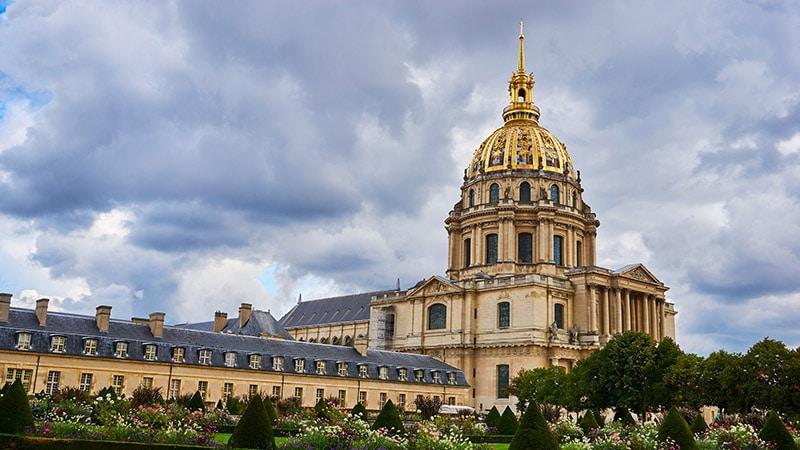 Saint-Louis des Invalides: une profanation occultée par les médias
