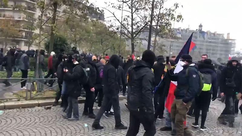 Manifestation des gilets jaunes du 16 novembre: un jeu d'ombres assumé pour les médias de grand chemin