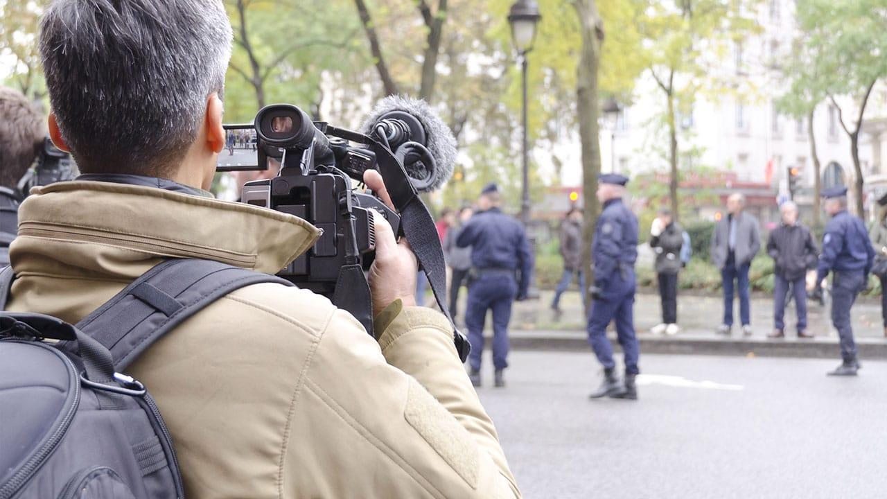Diffusion d'images de policiers: le bal des faux derches